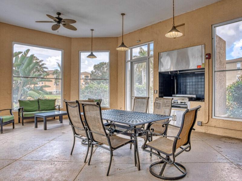 TGM Bermuda Island Apartments Outdoor Kitchen