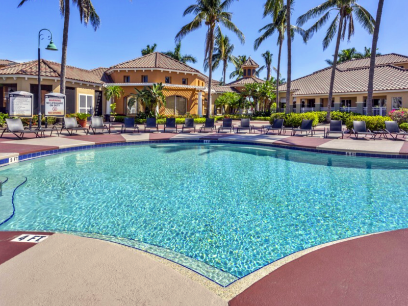 TGM Bermuda Island Apartments Resort-style Pool 9